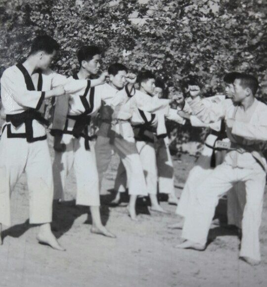 Dr Kim Hui Young is 3rd from left